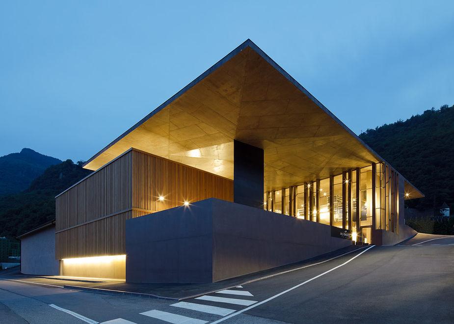 Nals Margreid è Atelier Natura, luogo di creatività nella natura e per vini dallo stile sartoriale inconfondibile